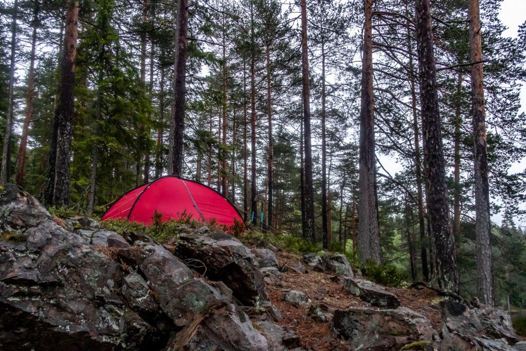 Nattläger vid Kroktjärnern i Hilleberg Niak, längs Bergslagsleden