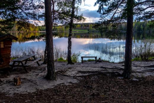 Stilla vatten över Björnsjön, Sörmlandsleden etapp 31