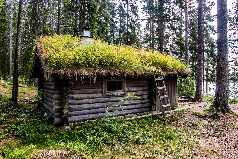 Stuga vid Rödbäckstjärn i Kindla naturreservat